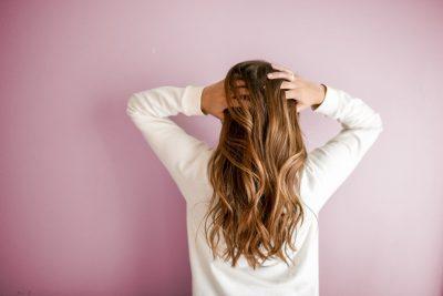 Jak dbać o długie włosy, co zrobić aby włosy szybciej rosły