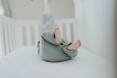Dodatkowe rzeczy w wyprawce dla niemowlaka – co warto kupić